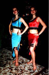 2000 sisters helju costumes