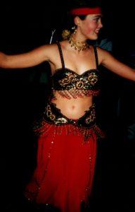 2001 lizi red costume türgi